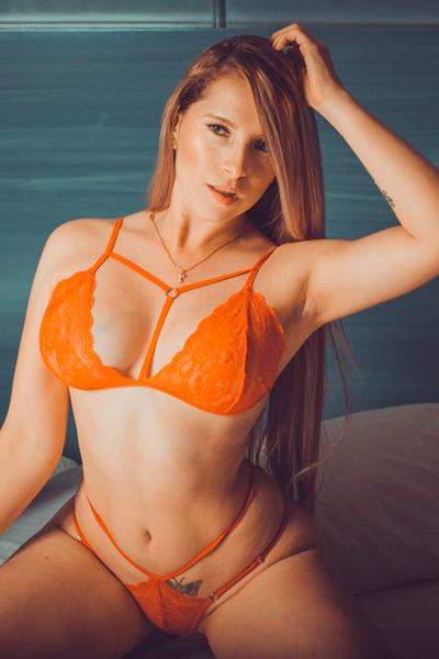 Cam girl OrianaSabatinni from LiveJasmin.com